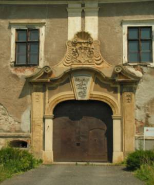 şato-giriş kapisi