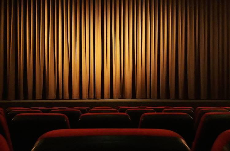 tiyatro-perde